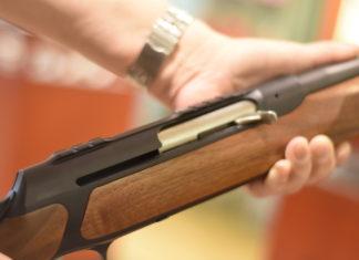 Europäisches Parlament stimmt Feuerwaffenrichtlinie zu